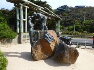 Memorial to soldiers at the Torquay entrance to the Great Ocean Road
